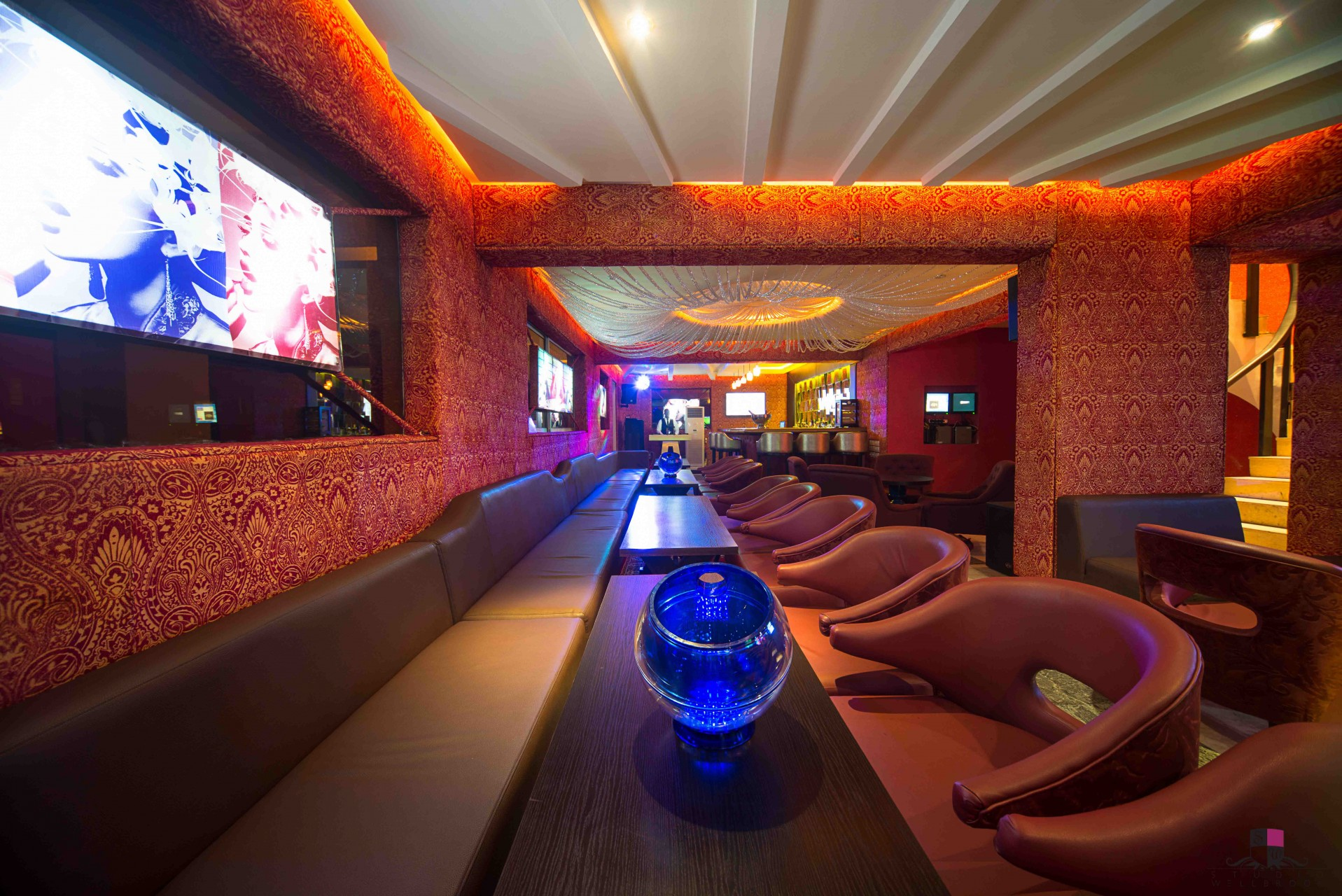 Prive bar and lounge