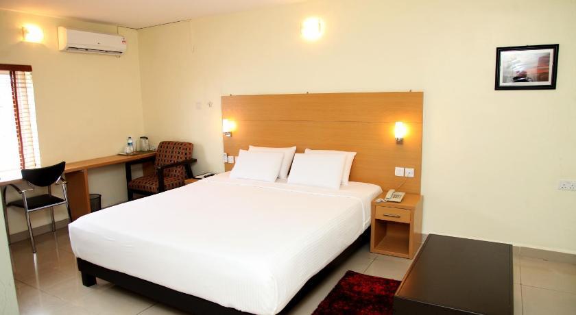 Adis Hotels