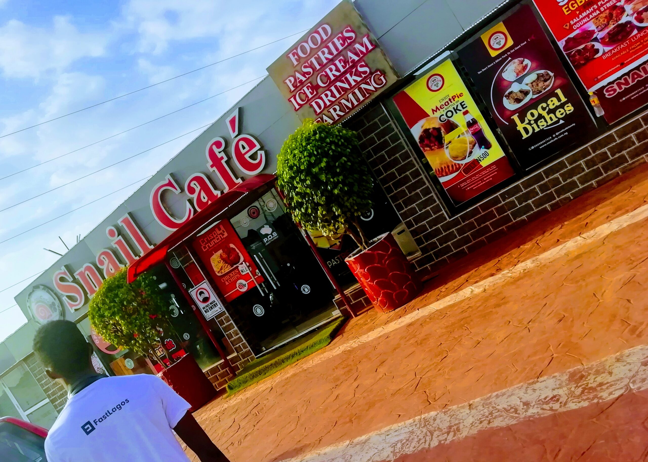 snail cafe restaurant